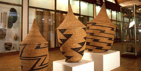 la galerie du mobilier de m moire africaine. Black Bedroom Furniture Sets. Home Design Ideas